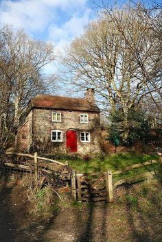 Charming red-doored cottage!