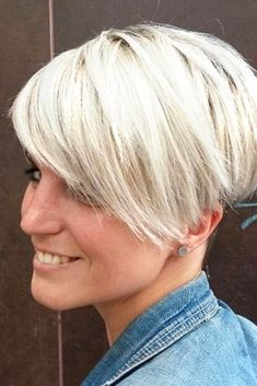 Long Pixie is an Effortless Way to Look Younger picture2