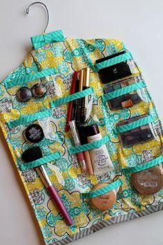 makeup-hanger-for-your-bathroom-682x1024