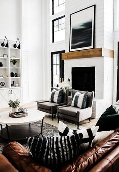 Elegant Living Room Colors Schemes Ideas - Home Professional Decoration Modern Farmhouse Living Room Decor, Elegant Living Room, Coastal Living Rooms, Small Living Rooms, Interior Design Living Room, Living Room Designs, Modern Room, Modern Wall, Industrial Living Rooms