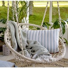 the Best Hanging Garden Swing Seats How cute is this gorgeous garden swing seats. Perfect for those lazy summer afternoons.How cute is this gorgeous garden swing seats. Perfect for those lazy summer afternoons. Cozy Backyard, Backyard Seating, Garden Seating, Backyard Ideas, Patio Ideas, Hammock Chair, Swinging Chair, Chair Cushions, Garden Swing Seat