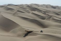 PISCO, PERU - JANUARY A Rider crosses the dunes during the stage from Pisco to Nazca on day three of the 2013 Dakar Rally on January 2013 in Pisco, Peru. (Photo by Shaun Botterill/Getty Images) Motocross, David Ramos, Mini Usa, The Dunes, Sports Photos, Yellowstone National Park, Peru, Rally, Crosses