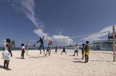 Grand-Palladium-Lady-Hamilton_Volleyball on the beach