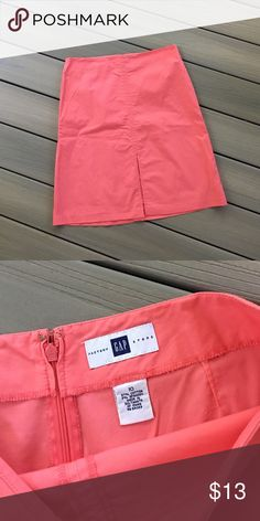 """GAP Factory Skirt 10 Pink cotton skirt, slit at center front. Length: 22"""", waist: 32"""". 97% cotton / 3% spandex. Great condition. No trades. Gap Skirts Pencil"""