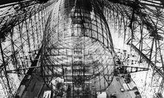 61 - HINDENBURG 03 - El Hindenburg era más largo que tres Boeing 747 juntos. Originalmente, tenía capacidad para 50 pasajeros —siendo aumentada hasta 72 en 1937—, y una tripulación de 61 personas. Por razones aerodinámicas, las dependencias de los pasajeros se encontraban dentro del propio cuerpo del dirigible, y no en góndolas.