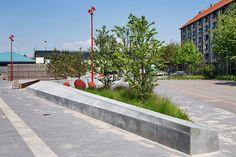 sloping wall and planting  Plaza_At_Bavnehoj_Arena-by-Opland_Landskabsarkitekter-11 « Landscape Architecture Works   Landezine