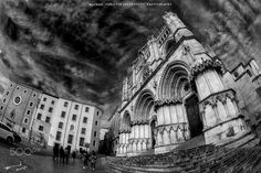 #explore #travel #travelblogger #travelling #travelphotography #spain #photography #cuenca #monument #tourism #tourist #tours #monochrome #blackandwhite #art #architecture #fisheye