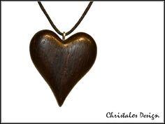 **Herz Anhänger, Herzanhänger aus Palisander, Rosewood Heart Pendant**  Holzanhänger aus Palisander, in handarbeit hergestellt (Original Foto)  Wachsschnur schwarz 90cm  Maße ca. 28x25mm,...