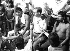 Pajé Sapaim e Cacique Raoni em Santa Tereza, ES, ritual de cura do Professor Augusto Ruschi, envenenado com veneno de sapo.