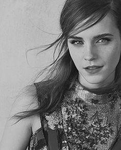 """421 curtidas, 3 comentários - Emma watson fan (@emmawatsonjs) no Instagram: """"So cute  #EmmaWatson  @EmmaWatson #EmmaWatsonFanPage #HermioneGranger #Hermione #EmWatson #Belle…"""""""