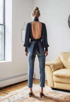 NOCHE FUERA MEDIANOCHE | Orseund Iris Fashion Mode, Fashion Night, Look Fashion, Spring Fashion, Womens Fashion, Ladies Fashion, Feminine Fashion, Fashion Stores, 90s Fashion