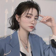 Aesthetic People, Aesthetic Hair, Hair Inspo, Hair Inspiration, Japonese Girl, Asian Short Hair, Hair Reference, Facon, Ulzzang Girl