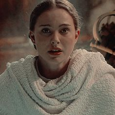 Padmé Amidala (Star Wars: Episode II - Attack of the Clones) (c) 2002 Lucasfilm, 20th Century Fox & Walt Disney Studios Photographs of Natalie Portman LORD SHREE GANESHA ANIMATED GIFS PHOTO GALLERY  | I.PINIMG.COM  #EDUCRATSWEB 2020-05-11 i.pinimg.com https://i.pinimg.com/originals/43/39/46/433946d456b13e4937da7031e6adecb9.gif