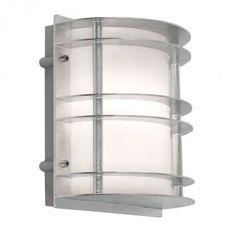 Spännande utelampa lämplig för lågenergilampa. Lampan kastar även ljus bakåt mot väggen vilket ger snygg ljuseffekt. Ljuskälla ingår ej.