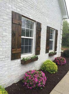 Best Exterior Paint Colors For House Cedar Curb Appeal 46 Ideas Best Exterior Paint, Exterior Paint Colors For House, Paint Colors For Home, House Colors, Exterior Colors, Paint Colours, Rustic Exterior, Modern Farmhouse Exterior, Exterior Design