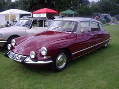 Rouge Cornaline Citroen 1966 DS21 spotted at the D Ralley '08. This colour was also available in 1967 & 1969.