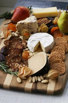 Beautiful cheese board! No more than 3 kinds of cheese.