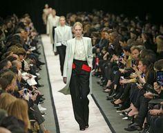 Con Givenchy sfila il fascino discreto della borghesia