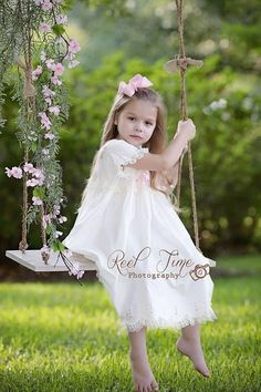 FREE SHIPPING Tree Swing Photo Prop  great idea for a little girl photo shoot.