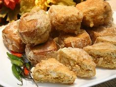 Cara Membuat Tahu Isi Sate Padang, Tahu Isi, Indonesian Cuisine, Indonesian Recipes, Recipe Boards, Easy Cooking, Street Food, Tofu, New Recipes