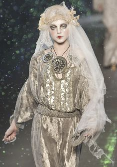 Jessica Stam at John Galliano Autumn/Winter 2009