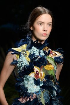 Erdem Spring 2015 Ready-to-Wear Fashion Show Couture Details, Fashion Details, Fashion Design, Floral Fashion, Fashion Prints, Couture Fashion, Fashion Show, Lesage, Erdem