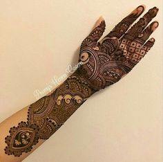 this is Indian Heavy Front Hand Mehndi Design For brides Mehndi Designs Book, Indian Mehndi Designs, Mehndi Designs 2018, Stylish Mehndi Designs, Mehndi Design Pictures, Wedding Mehndi Designs, Beautiful Mehndi Design, Mehndi Designs For Hands, Hena Designs