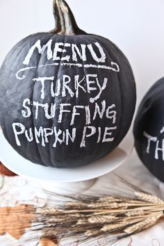 PUMPKIN PARTY MENU: Paint your pumpkin with chalkboard paint to create this fun menu. Once the party is over, erase and jazz it up with fun Halloween expressions or sassy messages. Find more pumpkin hacks and Halloween inspiration here! Thanksgiving Crafts, Thanksgiving Decorations, Fall Crafts, Holiday Crafts, Holiday Fun, Thanksgiving Appetizers, Thanksgiving Table, Thanksgiving Chalkboard, Thanksgiving Sayings
