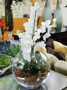 Decorating with Artificial Orchids Orchid Flower Arrangements, Orchid Plants, Vases Decor, Plant Decor, Centerpieces, Flowers Nature, Beautiful Flowers, Artificial Orchids, Deco Floral