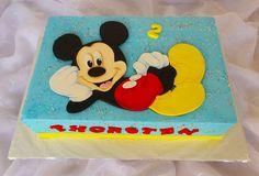 https://flic.kr/p/vYsisN | Mickey Mouse sheet birthday cake | Hand cut fondant topper