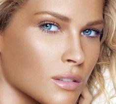 golden eye makeup for blue eyes | Wedding Makeup For Blue Eyes (Source: media-cache-ec1.pinterest.com)
