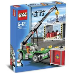 When it's time to unload cargo or clean up the docks in LEGO City, the Container Stacker is ready to do the heavy lifting. Lego Building Sets, Building For Kids, Lego Sets, Lego Minecraft, Minecraft Party, Village Lego, Train Lego, Lego Crane, Figurine Lego