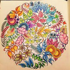 Bok: Förtrollade Skogen Pennor: Lyra Youngster @johannabasford #målarbokförvuxna#coloringbookforadults#förtrolladeskogen#enchantedforest#johannabasford#color#färg#målar#coloring#lyrayoungster#emeliemålar#coloringforadults