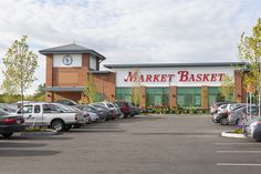 This new supermarket was completed in 2015 by HFA's Boston team.