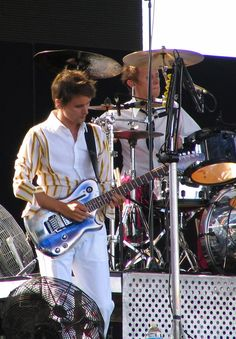 Matt Bellamy and Dom Howard - Muse - Live 8, Palais de Versailles, Paris, France (July 2005)