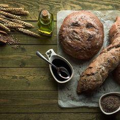 Ψωμί με πετιμέζι / Bread with petimezi. Ψωμί με πετιμέζι και γλυκάνισο που θα εντυπωσιάσει! #greekfood #greekrecipes #greekfoodrecipes #bread #pezyme #petimezi #greek #breadlove #breadideas #breadrecipes #easybread #sweetbread #breadbaking #συνταγές #κουζινα #ελληνικα Steak, Food, Meals, Yemek, Eten, Steaks