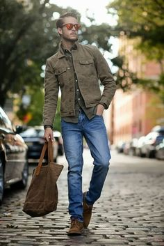 Pair an olive longsleeve shirt and a dark brown denim jacket to get a laid-back yet stylish look. opt for dark brown suede derby shoes to class up your look — Dark Brown Denim Jacket — Dark Brown Canvas Tote — Dark Brown Suede Derby Shoes Best Mens Fashion, Look Fashion, Sharp Dressed Man, Well Dressed, Stylish Men, Men Casual, Casual Fall, Smart Casual, Casual Chic