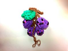 3-D Happy Grapes Tutorial (Rainbow Loom) by Feelin' Spiffy.