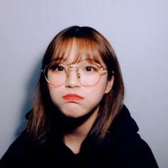 low quality jiheon (@lqbaekjh) | Twitter South Korean Girls, Korean Girl Groups, Girl Group Pictures, Cute Korean, Power Girl, Face Claims, Ulzzang Girl, I Fall In Love, Kpop Girls
