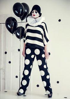 black and white clown (Studio Pink Wings - Kreatywne studio fotografii i stylizacji dziecięcej)