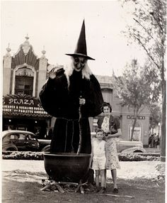 huge vintage outdoor witch and cauldron display....