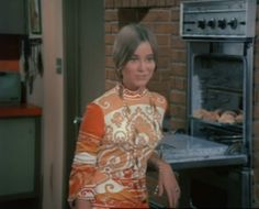 Marcia Brady's groovy outfits were priceless Marsha Brady, Pork Chops And Applesauce, Vintage Beauty, Vintage Fashion, Robert Reed, Maureen Mccormick, Play That Funky Music, The Brady Bunch, Old Tv Shows