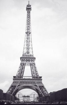 i mean...who doesn't wanna see the eiffel tower before they die? really.