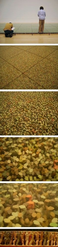"""Floor"": By Do Ho-Suh. La question de l'échelle et de l'espace.  // The Field, Antony Gormley"