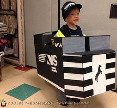 Make this durable DIY costume for a train lover. Take a look at this homemade Norfolk Southern train costume that has lasted for 3 years! Halloween Costume Contest, Halloween Costumes For Kids, Happy Halloween, Homemade Costumes, Diy Costumes, Southern Trains, Train Costume, Norfolk Southern, Cool Diy
