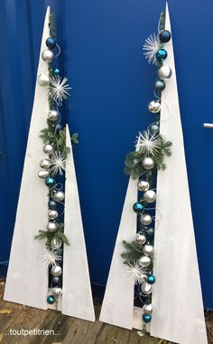 Diy Christmas Tree, Outdoor Christmas Decorations, Xmas Tree, Winter Christmas, Christmas Holidays, Christmas Wreaths, Christmas Ornaments, Printable Christmas Cards, Beautiful Christmas