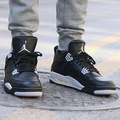 """Did everyone at least get a chance to get these this morning? Air Jordan 4 """"Oreo"""""""