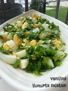 Eiersalat mit Petersilie - - Pratik Hızlı ve Kolay Yemek Tarifleri Salad Menu, Salad Dishes, Egg Salad, Easy Salad Recipes, Easy Salads, Healthy Recipes, Crab Stuffed Avocado, Light Summer Dinners, Breakfast