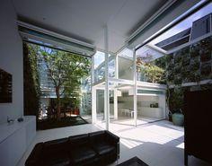 SHUTTER HOUSE FOR A PHOTOGRAPHER - Tokyo, Japan, 2003