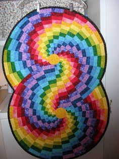 Bargello Color Wheel Table Runner This is on my short list of things to make.